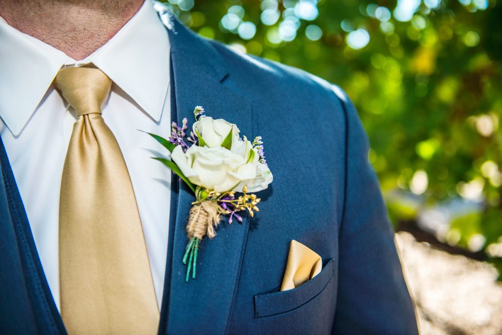 """Ephesians 5:22, """"Wives, submit yourselves to your own husbands as you do to the Lord."""" 5 ways to build up your husband and marriage."""